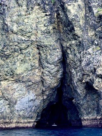 Paihia, Nueva Zelanda: Exploring a Cave on my jet ski