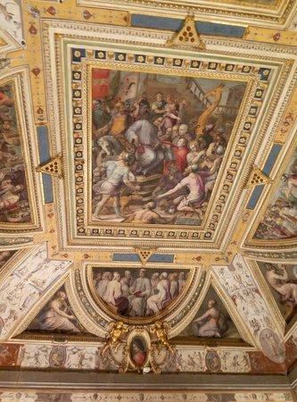 P61130-165705_large.jpg - Picture of Soggiorno Isabella de ...