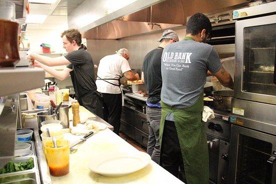 Le Roy, IL: Kitchen