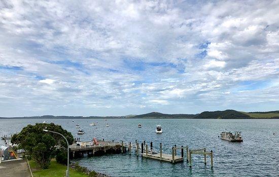 Pukenui, Nueva Zelanda: Town harbor walking distance from campgrounds