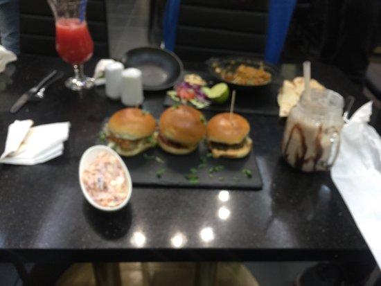 Bradford, UK: Amazing mini burger slider!! 😍😘😍😘👌🏾👌🏾👌🏾