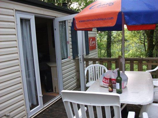 Camping La Palombiere: outside decking