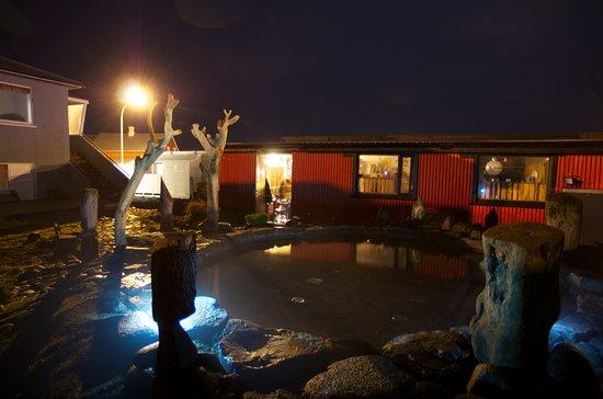 เคฟลาวิก, ไอซ์แลนด์: Geothermal pool