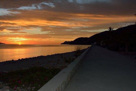 rancho las cruces, malecon at sunrise