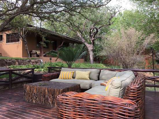 Balule Nature Reserve, South Africa: Naledi Bushcamp and Enkoveni Camp