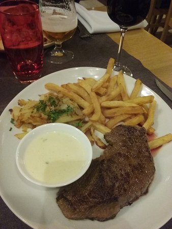 Remiremont, France : coeur de rumsteack et sauce roquefort