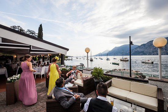 La Voglia: relaxing after the wedding