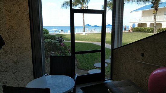 Cayman Reef Resort: View from Screened in porch.