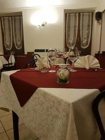 Piverone, Italy: La nostra sala da pranzo.... Con un tocco di aria natalizia! 🎅⛄🎁