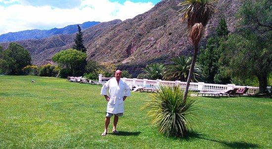 Hotel & Spa Termas Cacheuta: Piscina del hotel