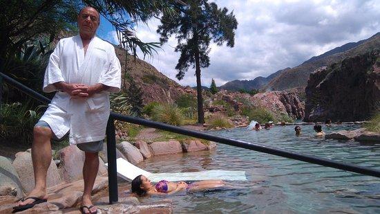 Hotel & Spa Termas Cacheuta: Piletas con aguas termales a distintas temperaturas