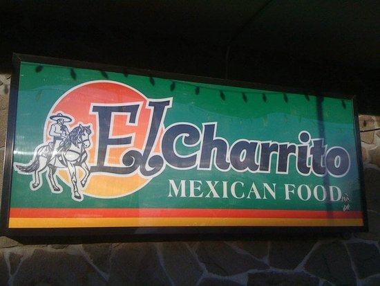 Molalla, Oregón: The El Charrito Sign