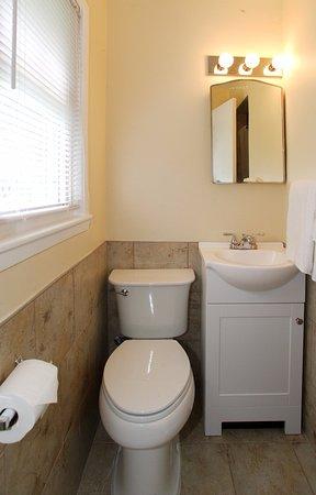 Hutchinson, Minnesota: Newly Renovated Bathroom