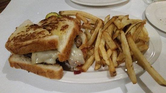 Jefferson City, MO: 1/2 lb Farmer's Wife Burger