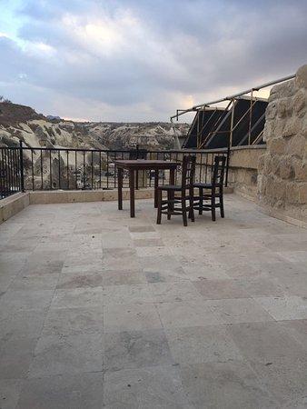 Arif Cave Hotel: Balcony