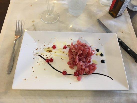 Signa, Italy: TARTARE DI TONNO
