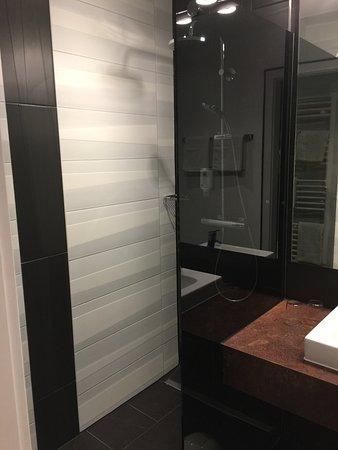 Hotel Tanne: Barrierefreie boden gleiche Dusche