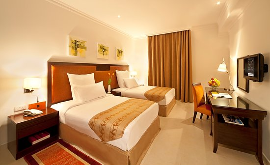 Corp Executive Hotel Doha Suites: Twin Bed Room Suite!
