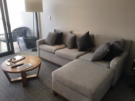 Marvelous The Rees Hotel, Luxury Apartments U0026 Lakeside Residences: Big, Comfy Couch