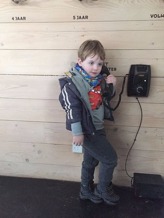 Almere, Países Bajos: Educatief telefoontje