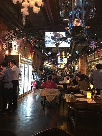 1886Qi CheZhu Ti DeGuo Restaurant (WaiTan)