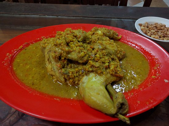 Tuban, Indonesia: Chicken