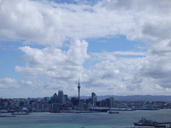 デボンポート, ニュージーランド, 丘の上から