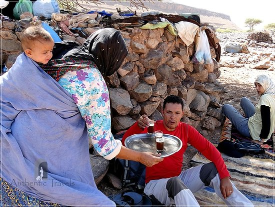 Imlil, Morocco: Serving Moroccan tea with the nomads
