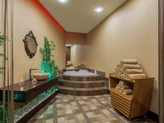 holiday inn antalya lara turquie voir les tarifs et. Black Bedroom Furniture Sets. Home Design Ideas