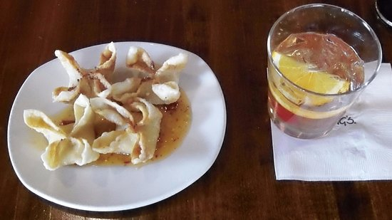 Chevy Chase, Maryland: Hand Folded Crab Wontons