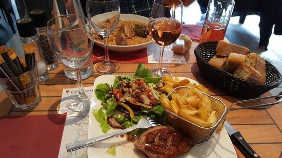 Bollene, Francja: Brasserie le Paris