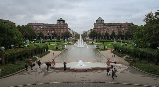 Rosengarten Mannheim: A vew of the gardens from the lower deck of the Watertower