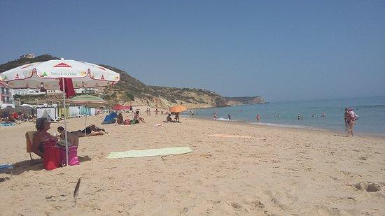 Vila do Bispo, Portugalia: angenehmer und ruhiger Strand von Salema