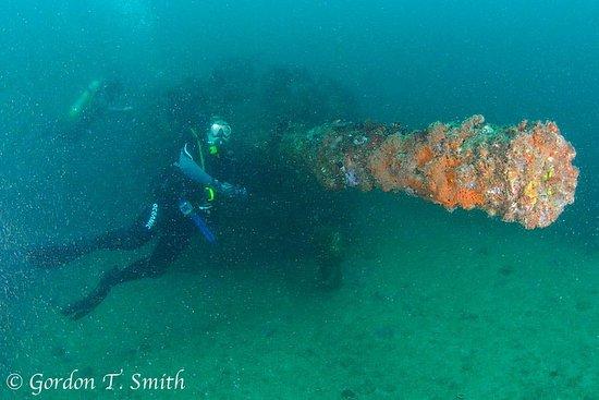 Mooloolaba, Australia: Gun Turret on HMAS Brisbane