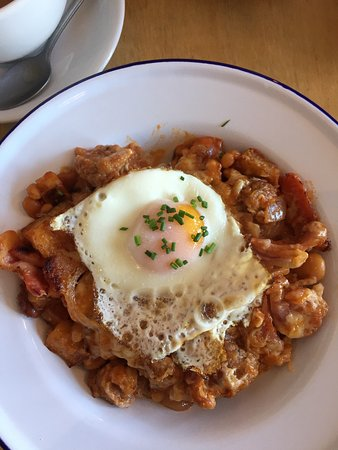 Isle of Sheppey, UK: The potato hash with bacon and sausage 👍🏼👌🏼