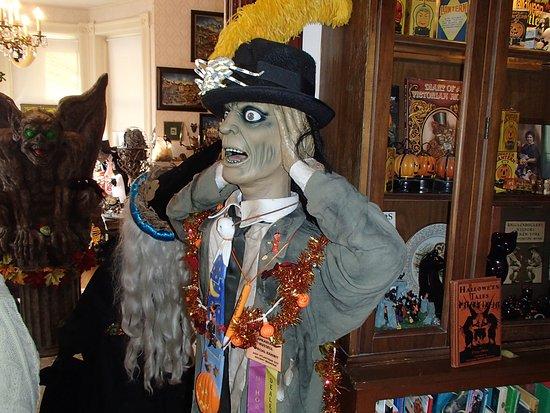 Altoona, Pensilvania: Halloween objects everywhere!