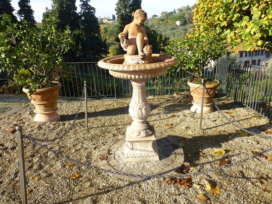 La fuente picture of folon e il giardino delle rose florence tripadvisor - Il giardino delle rose ...