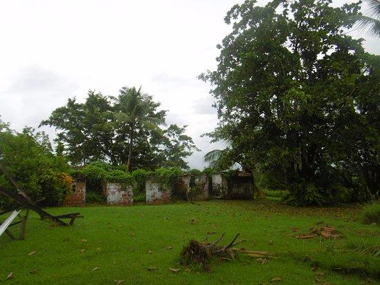 Trois-Ilets, Martinique: le soleil étais pas trop présent mais un endroit magnifique en dehors des boutiques