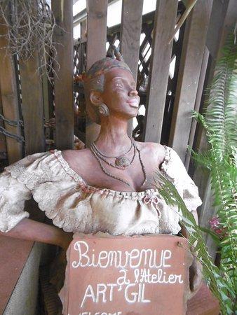 Trois-Ilets, Martinique: pas trop de photos de poterie certains aiment pas trop les photos
