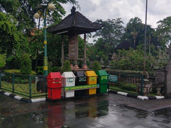 Mengwi, Indonesia: IMAG5790_large.jpg