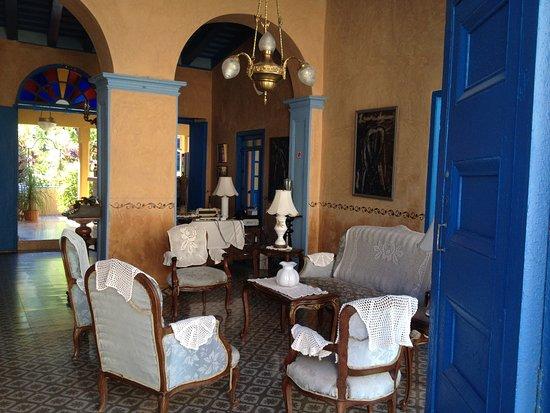 Riche int rieur d 39 une maison coloniale de trinidad photo de plaza mayor trinidad tripadvisor for Interieur maison coloniale
