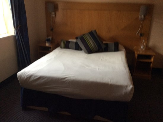 Bobbington, UK: A very comfortable bed