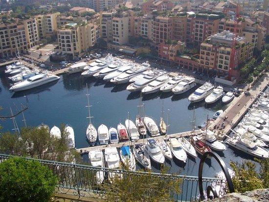 Fontvieille, Monaco: les yachts