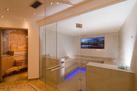 Bergheimat Hotel: Saunabereich mit Zirbensauna und Kräuter&Soledampfbad