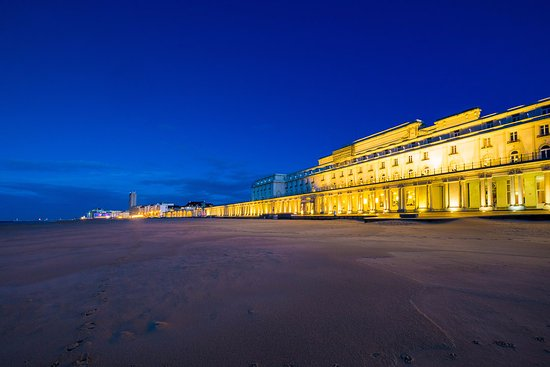 Thermae Palace Hotel: View from the beach