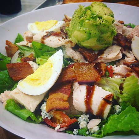 Tustin, CA: Mendo's Chicken Cobb Salad
