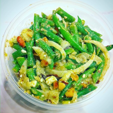 Tustin, Kalifornia: French Green Beans & Drake Farms Feta