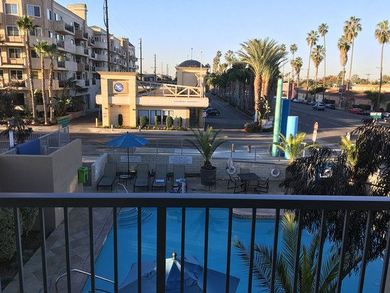 Marina del Rey, CA: Great location with spacious rooms