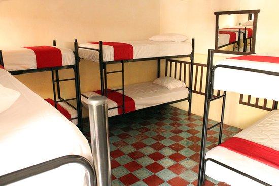 Meridano Bed & Breakfast : Habitaciòn compartida