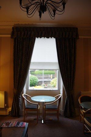 Kew House: Vue sur le salon
